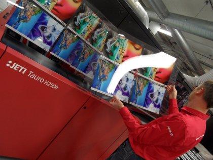 L'imprimante Tauro H2500 UV LED